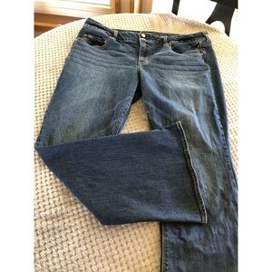 American Eagle Artist Stretch Jeans Size 18 Short